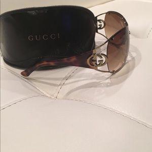 6203fd9b783 Gucci Accessories - Gucci GG 2802 S Golden brown women sunglasses